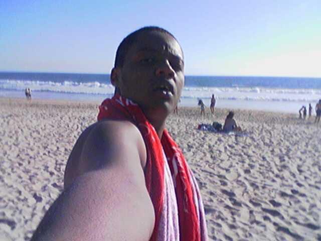 moi a la plage a Lisbone
