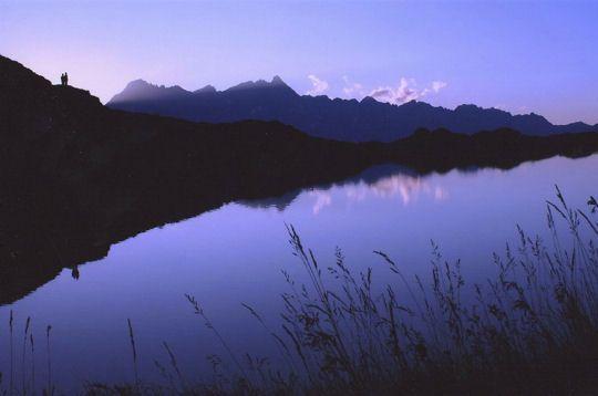 Dernier rayon sur la vallée des Bauges en Savoie...