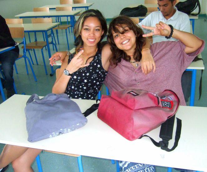 Moi et Anna (une copine de classe)
