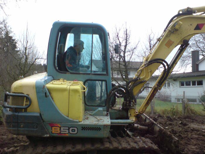 YANMAR B50 pour des travaux de terrassement chez un copain