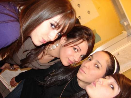 Lydia, (( s0h )), Nawel, Julie