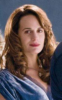 Esmee Cullen