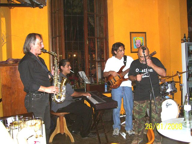 CANTANDO JAZZ  CON  JUANJO HERMIDA DE  MISSISIPI BLUES BAND