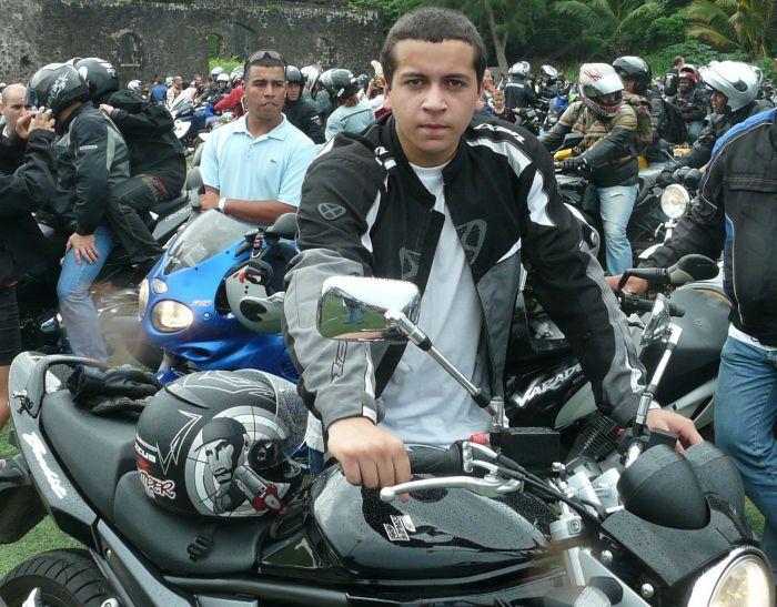 mwa en version motard!!! il est beau non?