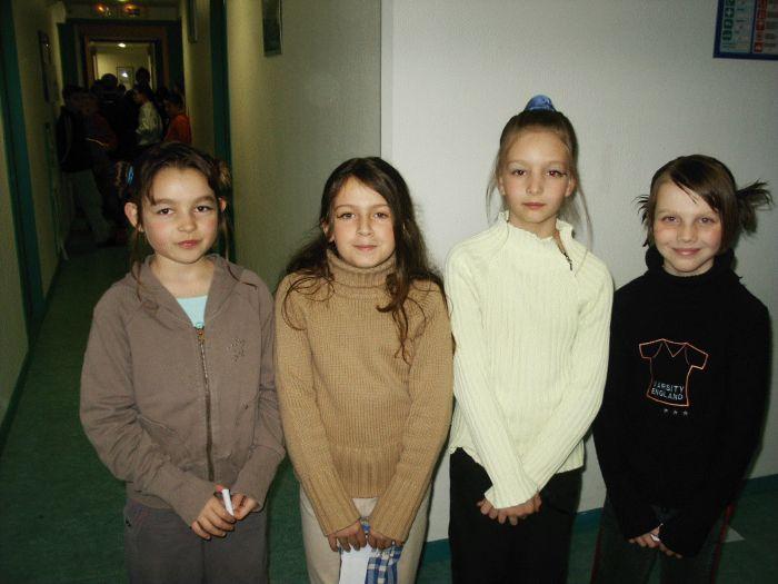 voici quatre  filles de ma classe