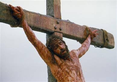 Jésus crucifié par Amour pour nous !