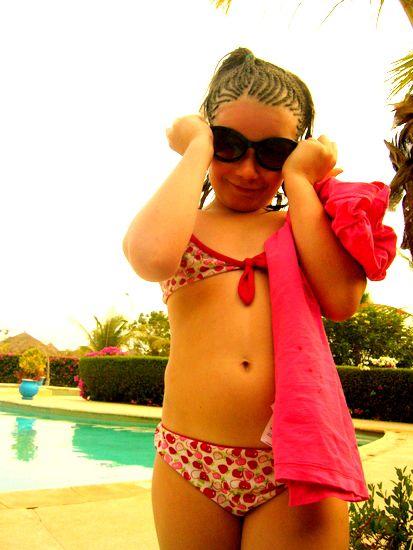 """Ma pitchoun"""" au bord de la piscine à Saly"""