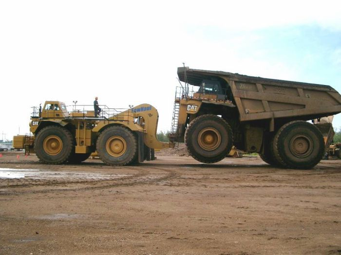 Caterpillar 793 towing package