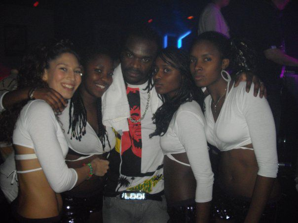 le crew with dj mike one