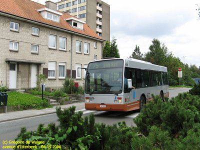 -[ Bus : A308D ]-   STIB