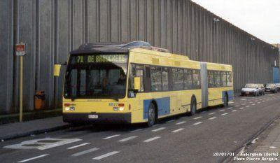 -[ Bus : Van Hool AG300 ]-   STIB