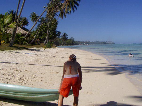 Moi sur la plage de Moorea <3 (Il y a quelques années)