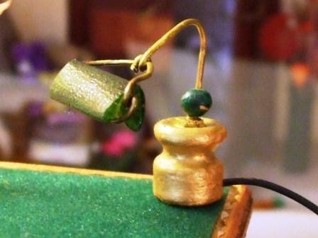 Lampe de bureau: plastique+épingle cheveux+perle