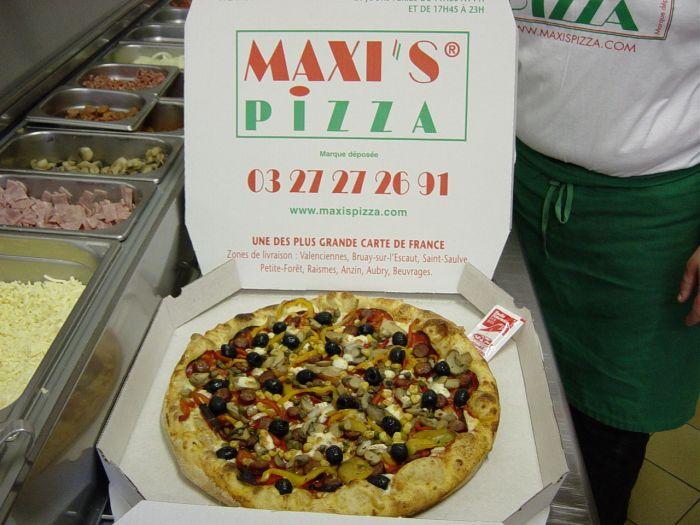 LA PIZZA A LA SORTIE DU FOUR