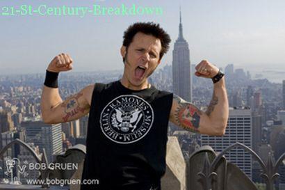 Mike qui montre ses muscles :P