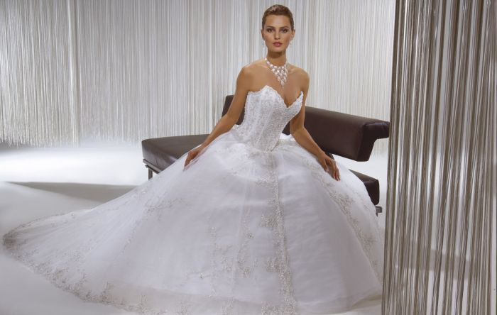 ma robe de mariee inchalah      aie aie aie mashalah!!!!!!!!